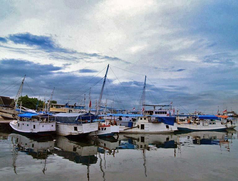 The boats at Ujung Pandang Harbour
