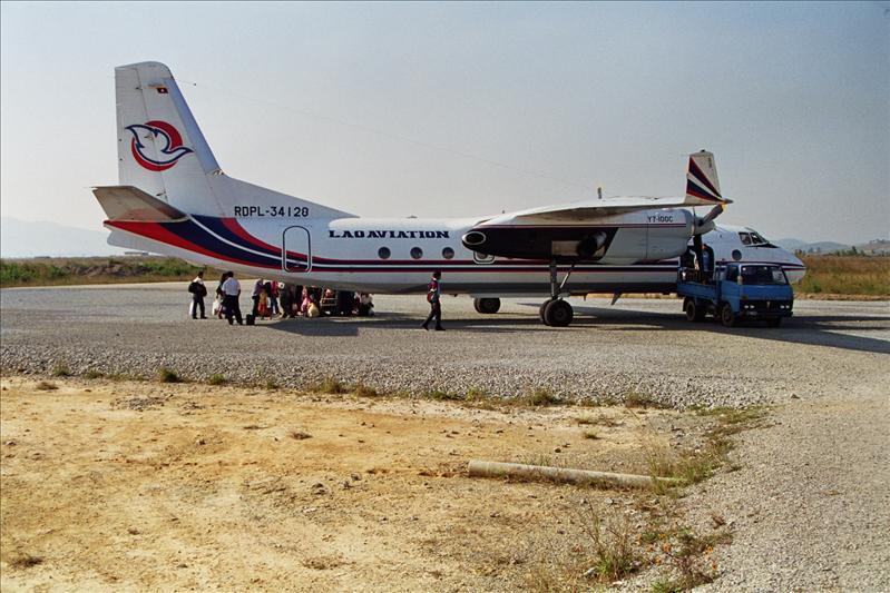 XIAN YUNSHUJI  Y-7-100C  chinese aircraft