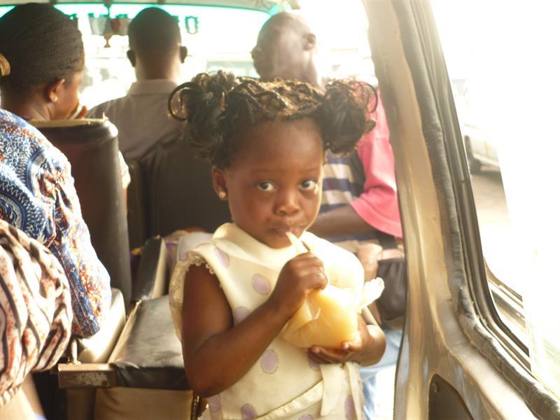 Tro-Tro nach Aburi - Afrikanische Pipi Langstrumpf