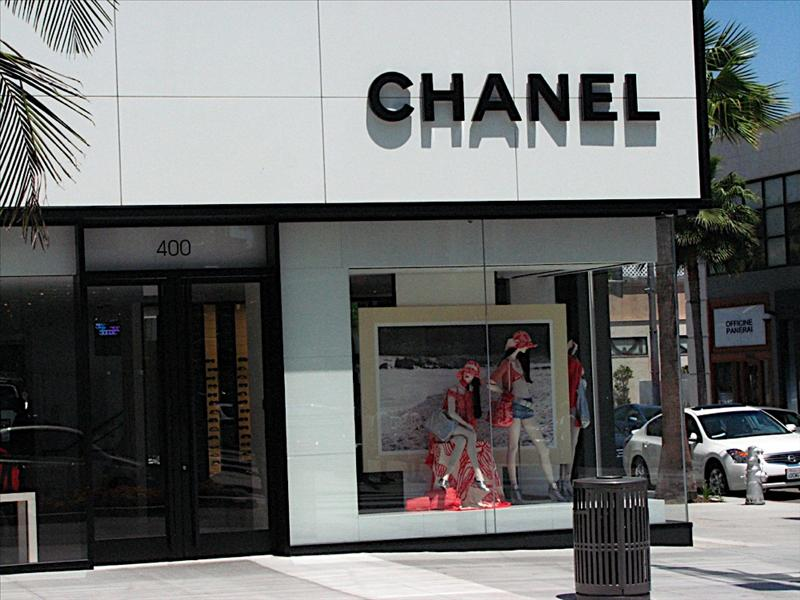 Rodeo Drive in Beverly Hills - Chanel