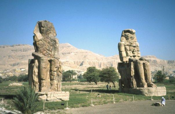 COLOSSI OF MEMNON, LUXOR - VALLEY OF THE KINGS