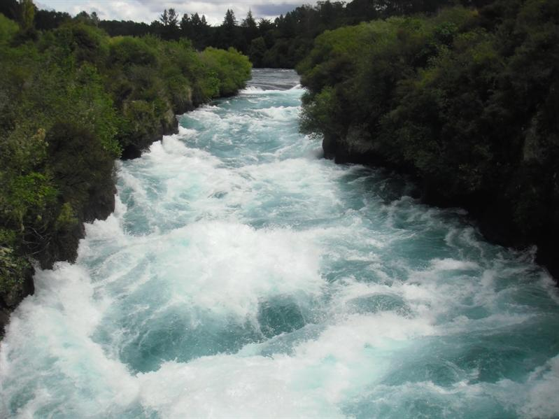 Huka Falls waterfall - soooooo fast!
