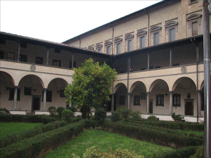 San Lorenzo courtyard