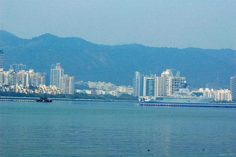 位處深圳的明思克號航空母艦