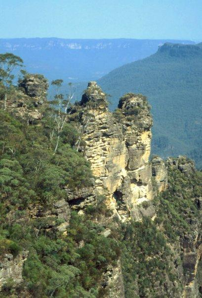 THE THREE SISTERS, BLUE MOUNTAINS, NSW - WHERE I BROKE MY ANKLE