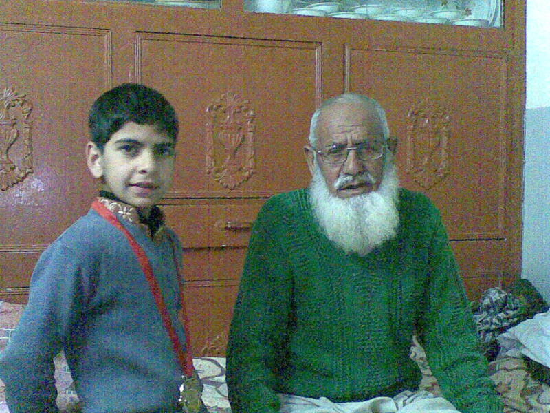 Awais Qureshi with Grandfather Khaqan 01032012