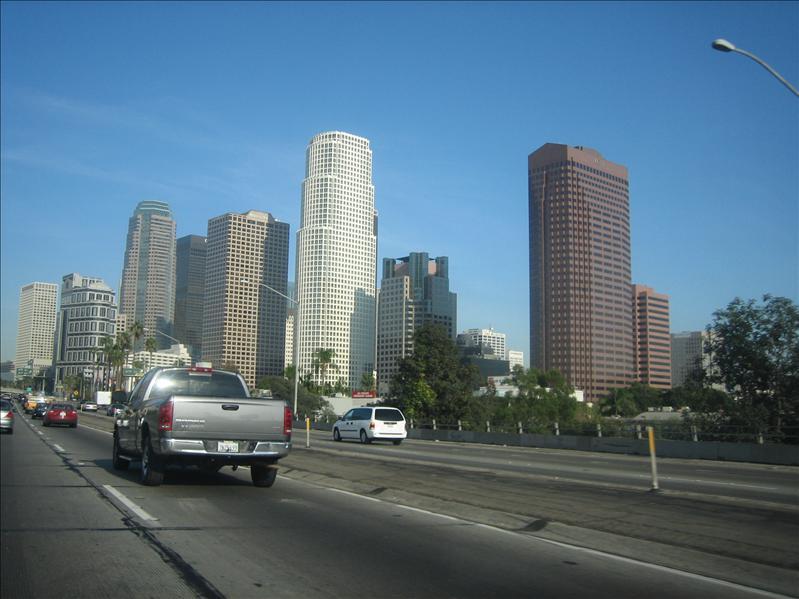 驶向洛杉矶