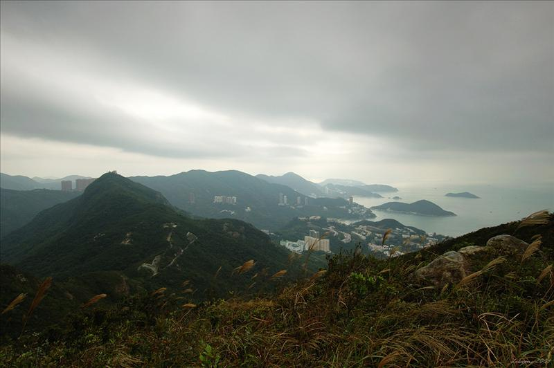 遠眺深水灣及壽臣山一帶的景色gaze across Deep Water Bay, Shouson Hill and nearby bays, coves and channels