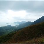 大蚊山和遠方的睇魚岩頂