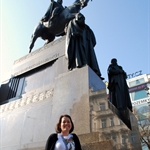 Dani & the statue of St Wenceslas
