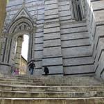 Stufen zum Dom.JPG
