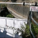 DSCN0273 引水道中的水閘.jpg