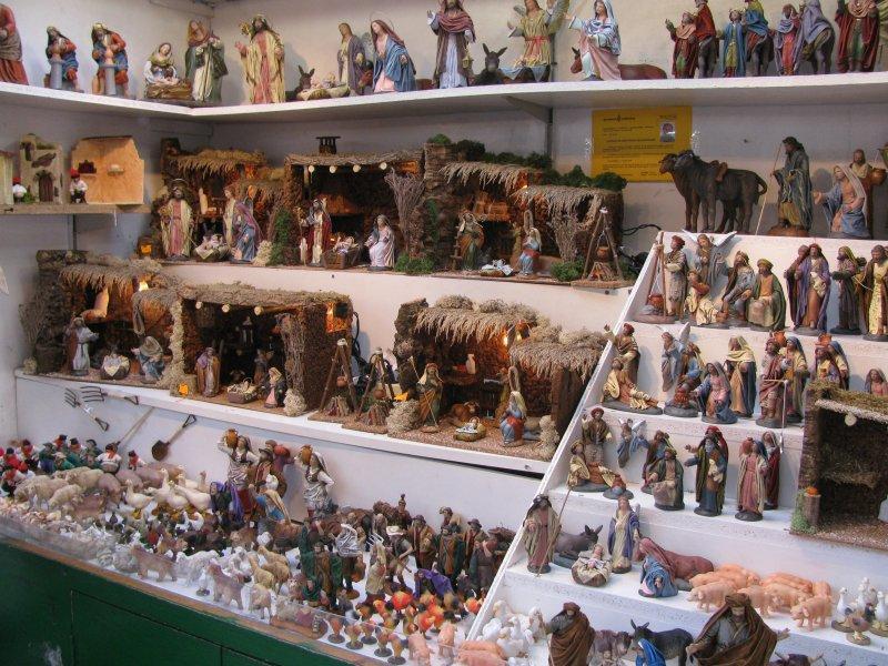 Christmas market, includes DIY cribs  ....