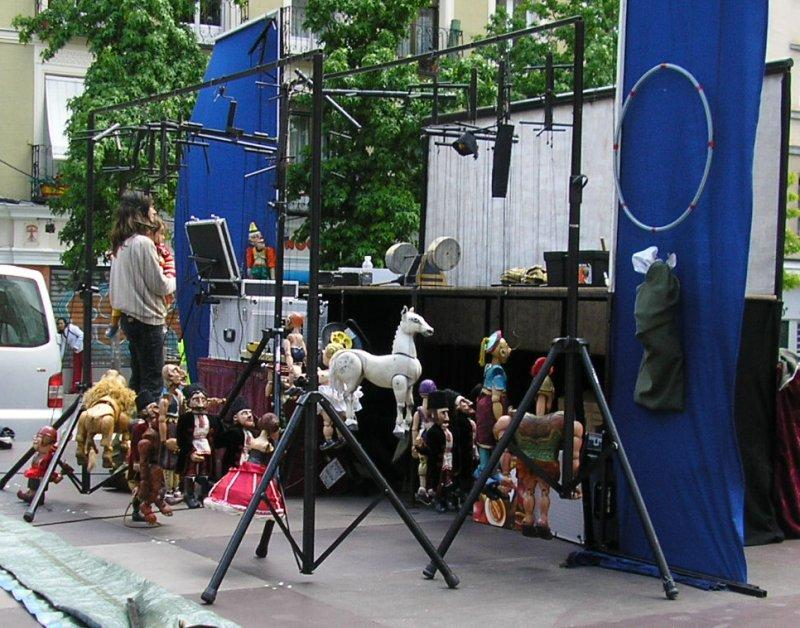 May 16th was the fiesta de San Isidro. Puppeteers prepare their show.