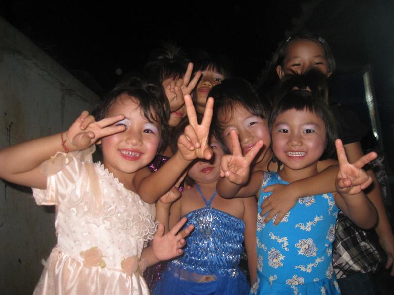 一群可愛的小孩們