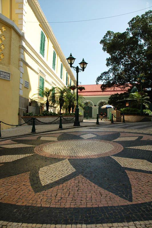 崗頂前地 St. Augustine's Square