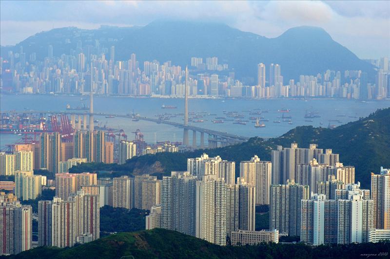 青衣、昂船洲大橋及香港島
