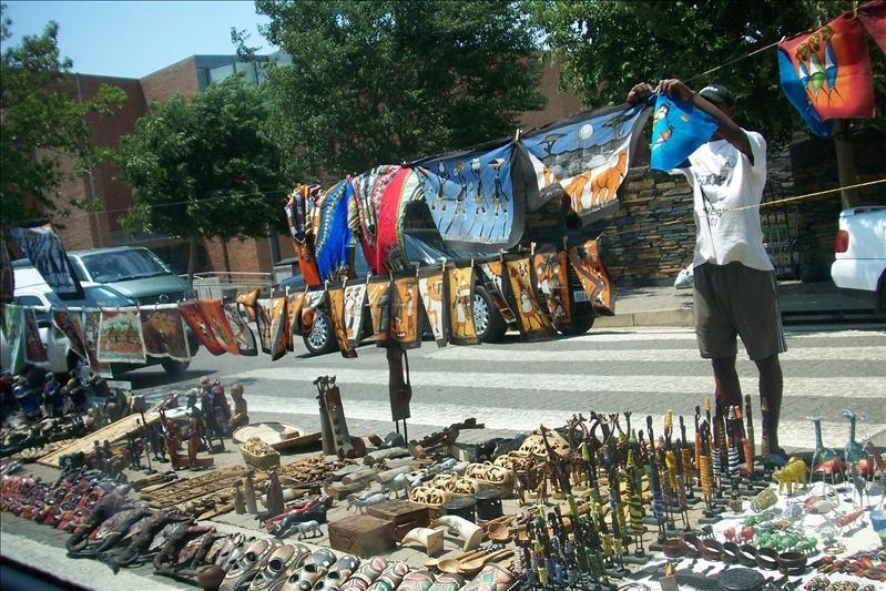 craft market / marché artisanal