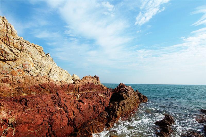 赤紅色的海岸