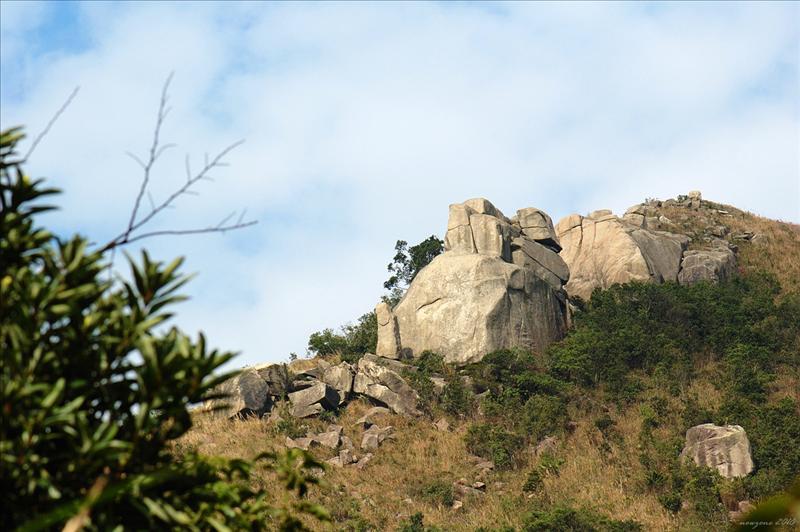 上望女婆山陽元石 Yang Yuan Stone