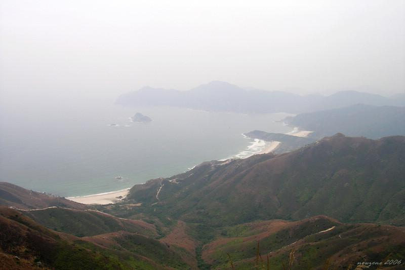 Tai Long Wan is made up of four idyllic bays : Sai Wan, Ham Tin, Tai Long and Tung Wan大浪4灣。由近至遠:東灣、大灣、鹹田、西灣