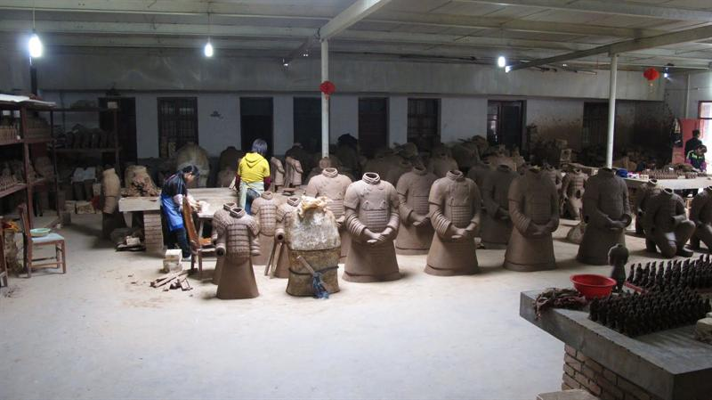 manufacturing site for making clay re- plicas of warriors and horses