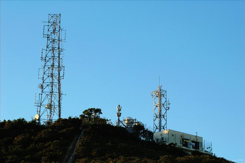 南朗山山頂警察通訊站和數碼電視廣播扶助發射站