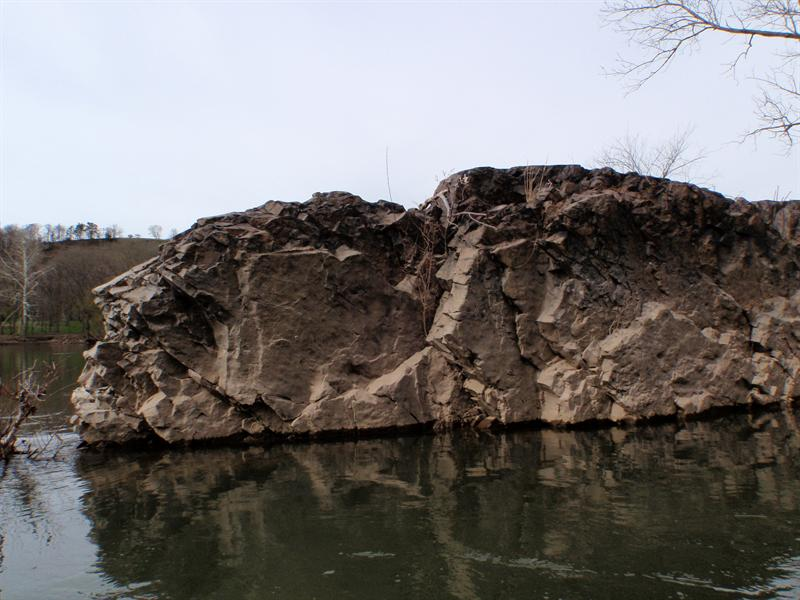 Rocky outcroppings in the Juniata River