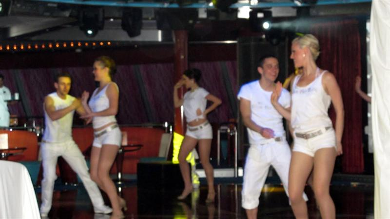White Party night (All people are supposed to dress in white)