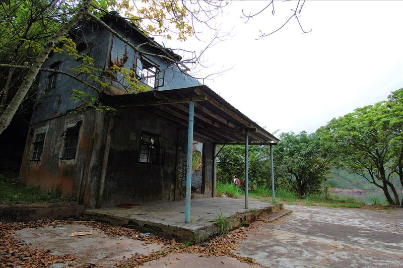抵紅石門廢村 Hung Shek Mun Ruined Village