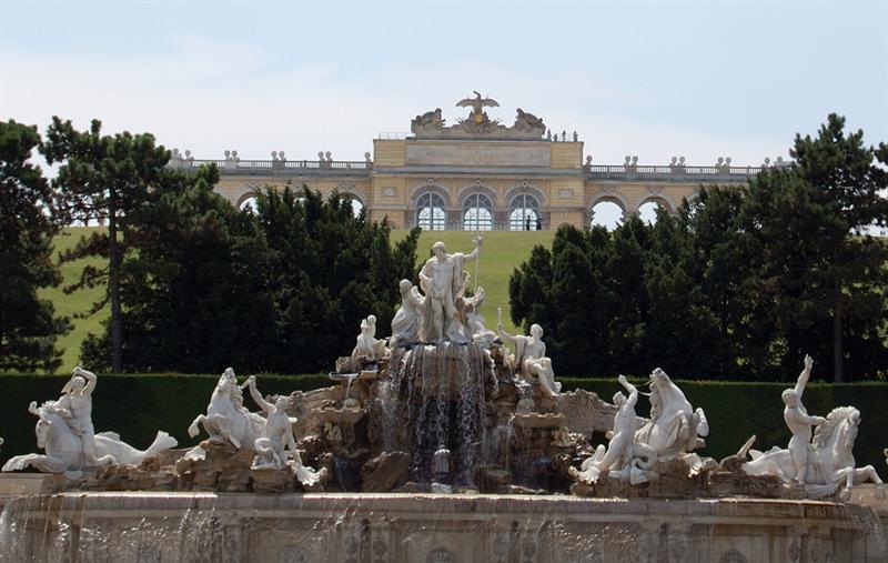 Neptune's Fountain - Schonbrunn Palace: Vienna