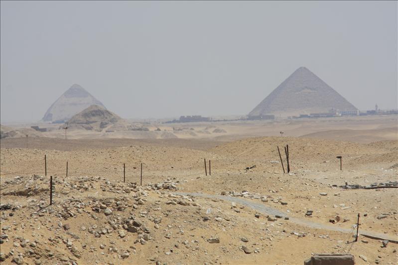 Knikpyramide en rode pyramide