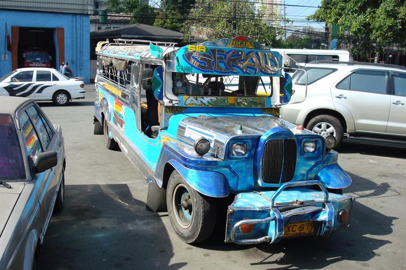 jeepney- miejcowy srodek komunkcji publicznej, hand made :)