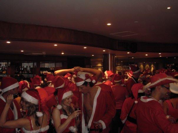 The sea of red - santas everywhere in Manly!!