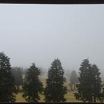 房間可見到高爾夫球場(但是起霧了)
