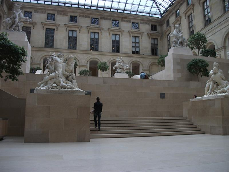 Courtyards of Richelieu with beautiful Greek statues.