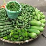 Verkaufskorb mit Gemüse
