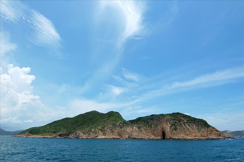 Bluff Island 沙塘口山