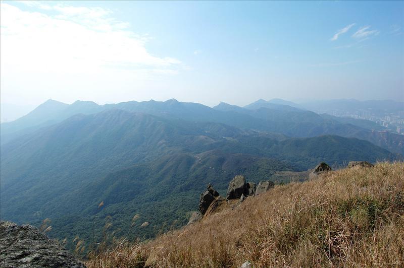黃牛山山頂附近的石堆