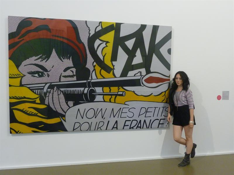a la musee de l'art moderne.. POW!
