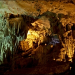 Sung Sot Cave (Amazing Cave)