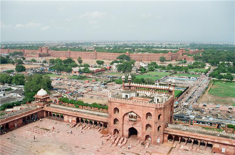 view from top of the minaret 41 m up. red fort in background