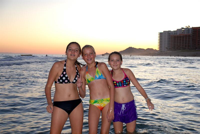 Carly, Shea & Amber