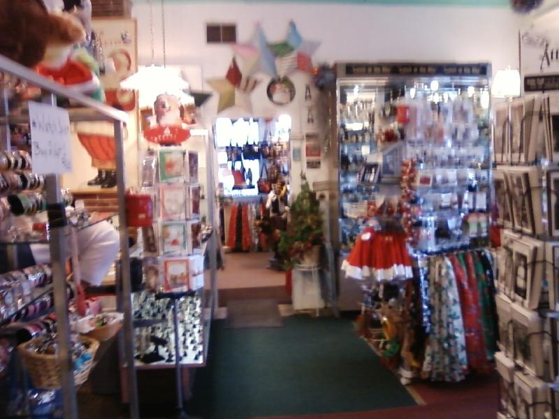 all kinds of small things sold in Kimmswick Korner