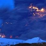 近距离拍摄冰岛火山喷发4.jpg