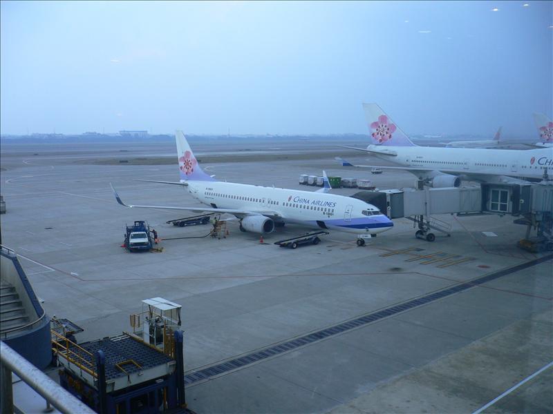 CI120:這麼多年來第一次搭乘華航, 還是稀有阿公級的737, 抖ing