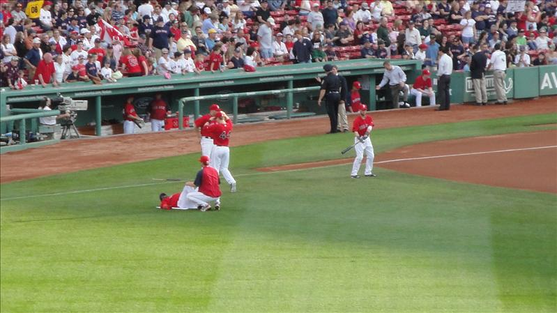 Papi stretching before the game...also in pic: J.D. Drew, Jason Bay, Youk, and Dustin Pedroia