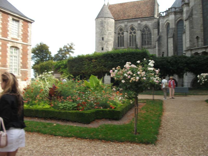 Garden of Musee de Beaux Artes.