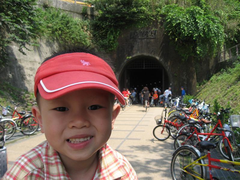 白雲飛處-隧道南口