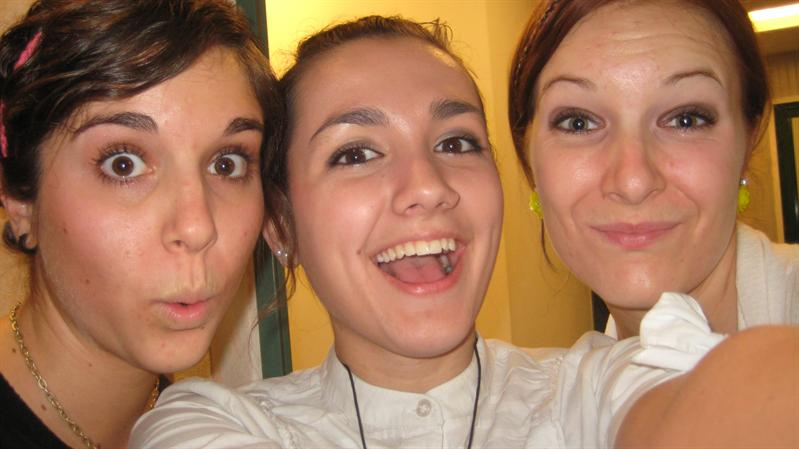 anna, chelsey, and me at midnight when we finally go to leave!